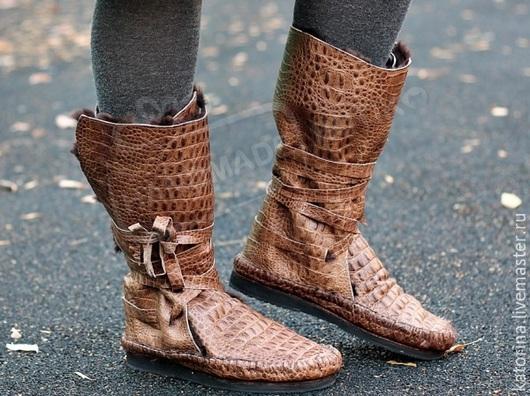 Обувь ручной работы. Ярмарка Мастеров - ручная работа. Купить Зимние Сапоги-Мокасины с Натур. мехом овчины из кожи Кроко Коричневые. Handmade.