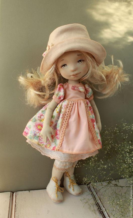 Коллекционные куклы ручной работы. Ярмарка Мастеров - ручная работа. Купить Текстильная авторская кукла Лида. Handmade. Бежевый