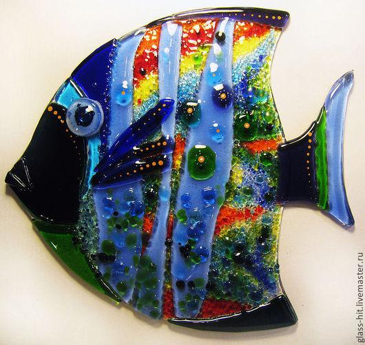 Рыбка приклейка 1. Стеклянный декор на плитку или зеркало, для интерьера в ванную комнату. Размеры и цвета можно сделать любые. Рыбка приклеивается на плитку или зеркало с помощью прозрачного силикона