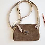 Поясная сумка ручной работы. Ярмарка Мастеров - ручная работа Маленькая серо-коричневая сумочка на плечо кожаная нубук Поясная. Handmade.