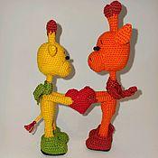 Игрушки ручной работы. Ярмарка Мастеров - ручная работа Пара вязаных жирафов. Handmade.