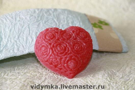 """Мыло ручной работы. Ярмарка Мастеров - ручная работа. Купить Мыло """"Клубничное сердце"""". Handmade. Мыло сердце, мыло сувенирное"""