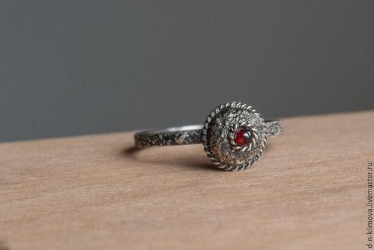 """Кольца ручной работы. Ярмарка Мастеров - ручная работа. Купить кольцо """"Moravia Magna"""", гранат-пироп, серебро. Handmade. Бордовый"""