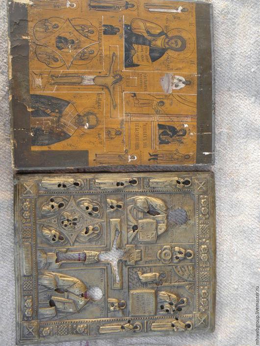 Старинная икона. Основа дерево. Масло. Металлическая оправа. Начало 18 века. Размеры 50 на 40см.