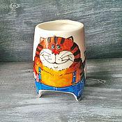 """Посуда ручной работы. Ярмарка Мастеров - ручная работа """"А нас и здесь  неплохо кормят"""" - чашка с ножками. Handmade."""