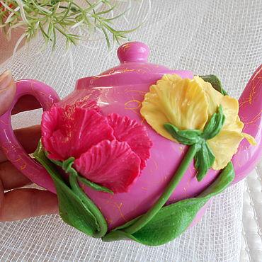 Посуда ручной работы. Ярмарка Мастеров - ручная работа Чайник с декором из полимерной глины. Handmade.
