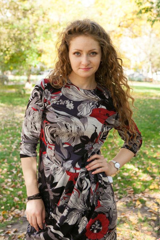 Платья ручной работы. Ярмарка Мастеров - ручная работа. Купить Платье из джерси с задрапированной юбкой - серо-красны принт. Handmade.