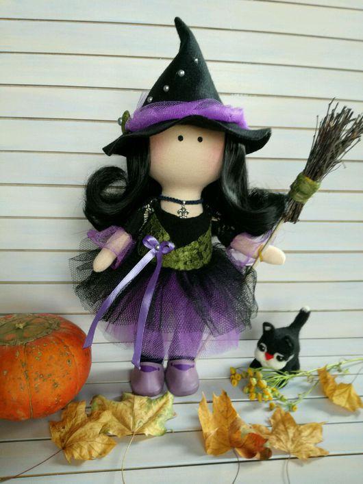 Сказочные персонажи ручной работы. Ярмарка Мастеров - ручная работа. Купить Маленькая Ведьма. Хэллоуин. Интерьерная текстильная кукла.. Handmade.