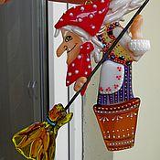 Подарки к праздникам ручной работы. Ярмарка Мастеров - ручная работа Елочная игрушка. Бабка-Ежка. Стекло.Фьюзинг.. Handmade.