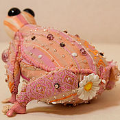 Куклы и игрушки ручной работы. Ярмарка Мастеров - ручная работа Жабка Дейзи - любительница ромашек. Handmade.