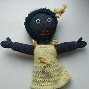 Куклы и игрушки ручной работы. Ярмарка Мастеров - ручная работа Кукла сувенир вязаная. Handmade.