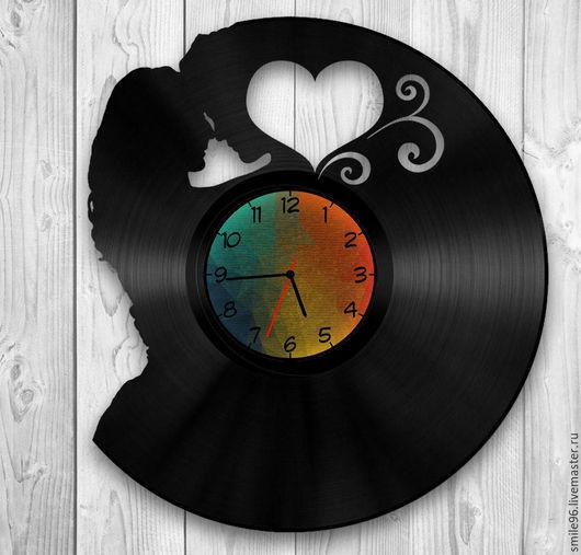 """Часы для дома ручной работы. Ярмарка Мастеров - ручная работа. Купить Часы из виниловой пластинки """"Любовь"""". Handmade. Любовь, комбинированный"""