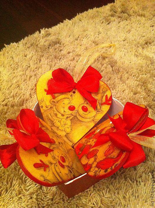 Новый год 2017 ручной работы. Ярмарка Мастеров - ручная работа. Купить Новогодние подвески в форме сердца. Handmade. Ярко-красный