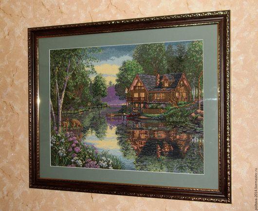 """Пейзаж ручной работы. Ярмарка Мастеров - ручная работа. Купить Вышитая крестом  картина """"Уютный котедж"""". Handmade. Пейзаж, река"""