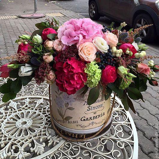 """Букеты ручной работы. Ярмарка Мастеров - ручная работа. Купить Цветочная композиция в шляпной коробке """"Gardenia"""". Handmade. Букет цветов"""
