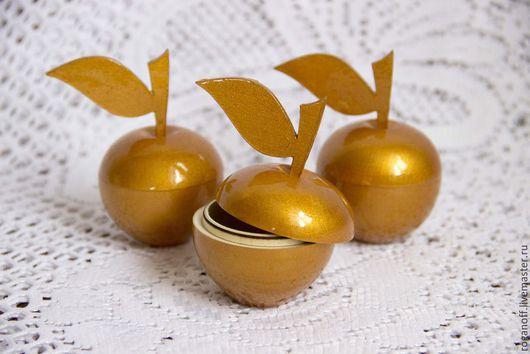 Яблоко золотое шкатулка. Высота с листочком 8,5 см. Высота яблока 5 см. Диаметр 5 см.