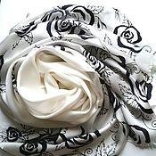 Аксессуары ручной работы. Ярмарка Мастеров - ручная работа Палантин Черные розы на белом шелковый атлас. Handmade.