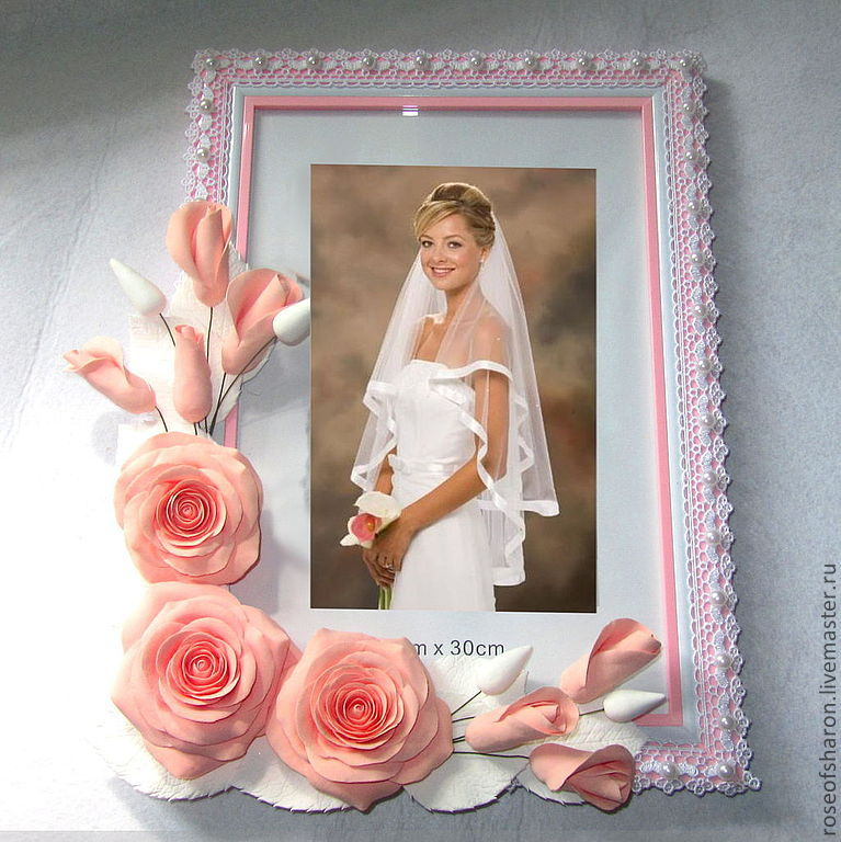 Как красиво украсить свадебную фоторамку