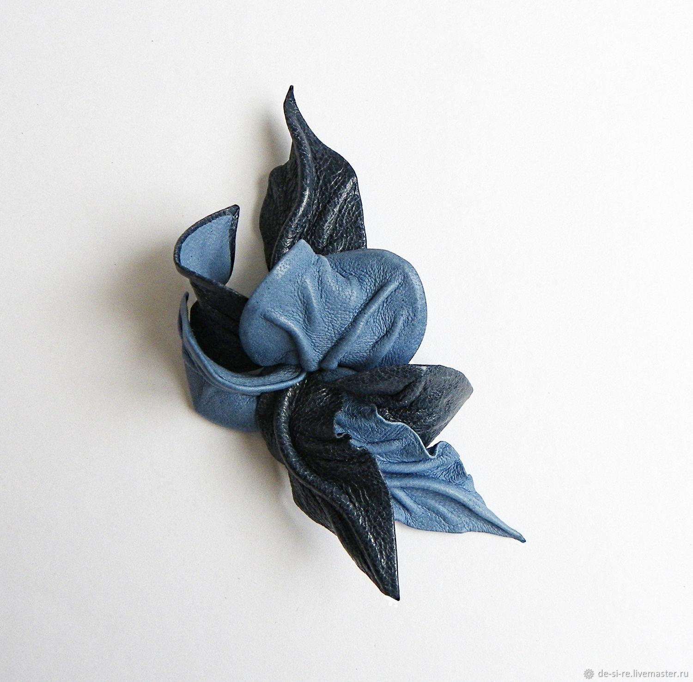 Брошь маленькая цветок из кожи Джинс синий джинсовый голубой – купить на Ярмарке Мастеров – GPX83RU | Брошь-булавка, Москва