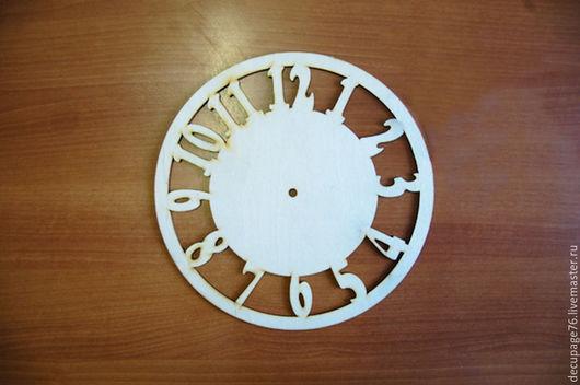 Часы круглые с цифрами Размер: d - 30 см,  Материал: фанера 3 мм