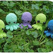 """Куклы и игрушки ручной работы. Ярмарка Мастеров - ручная работа Вязаные игрушки """"Весёлые осьминожки"""". Handmade."""