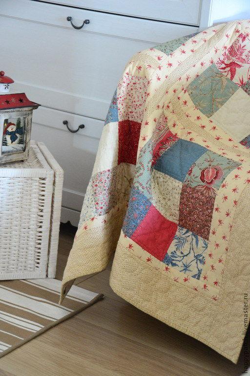 """Текстиль, ковры ручной работы. Ярмарка Мастеров - ручная работа. Купить """" Из бабушкиного сундука"""" - лоскутный плед. Handmade."""