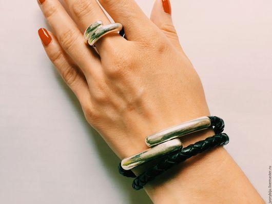 Браслеты ручной работы. Ярмарка Мастеров - ручная работа. Купить Комплект из черной плетеной кожи, браслет и кольцо. Handmade. Намотка