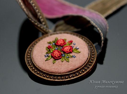 """Ролевые игры ручной работы. Ярмарка Мастеров - ручная работа. Купить Вышитый винтажный кулон """"Mio Rosa"""". Handmade."""