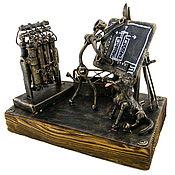 Статуэтка ручной работы. Ярмарка Мастеров - ручная работа Инженер-ядерщик с центрифугой. Handmade.
