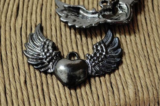Для украшений ручной работы. Ярмарка Мастеров - ручная работа. Купить Подвеска Сердце с крыльями, черный металл 36,5мм. Handmade.