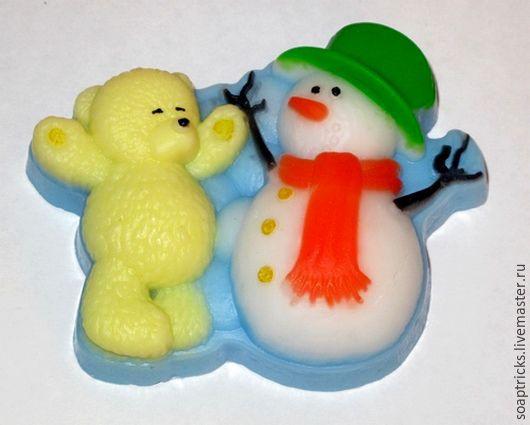 Мыло ручной работы. Ярмарка Мастеров - ручная работа. Купить Мыло Снеговик с медвежонком. Handmade. Комбинированный, снеговик, сувенир на Новый год