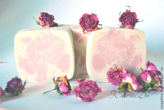 """Мыло ручной работы. Ярмарка Мастеров - ручная работа. Купить """"Лепестки роз"""" натуральное мыло с нуля кастильского типа. Handmade."""