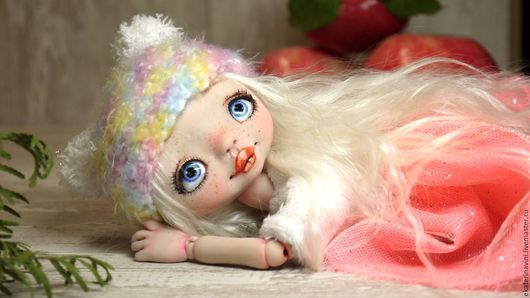 Коллекционные куклы ручной работы. Ярмарка Мастеров - ручная работа. Купить Варежка малиновый мусс (продана). Handmade. Розовый