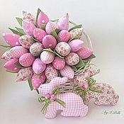 Для дома и интерьера ручной работы. Ярмарка Мастеров - ручная работа Нежно-розовый букет тюльпанов и пара пасхальных кроликов. Handmade.