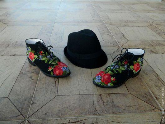 Обувь ручной работы. Ярмарка Мастеров - ручная работа. Купить ботиночки летние. основа-натуральная кожа.верх-ручная вышивка.. Handmade.