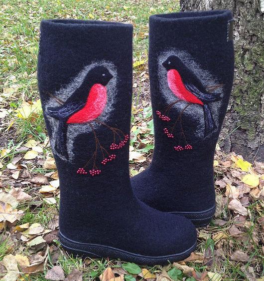 """Обувь ручной работы. Ярмарка Мастеров - ручная работа. Купить Валяные сапоги """"Снегири прилетели""""-2. Handmade. Черный"""