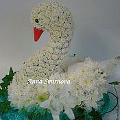 Цветы и флористика ручной работы. Ярмарка Мастеров - ручная работа Лебедь из цветов. Handmade.