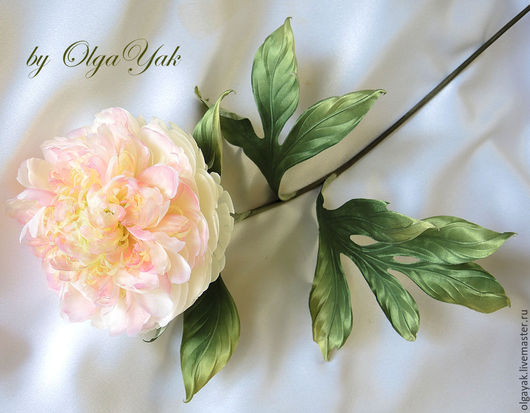 Заколки ручной работы. Ярмарка Мастеров - ручная работа. Купить Цветы из ткани. Пион Белый лебедь. Handmade. Белый