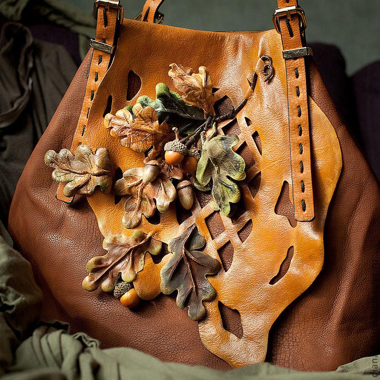 Украшение на сумку из кожи 198