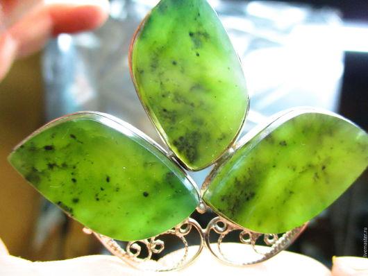 кулон `Трехлистник для Марины` цена 3500 нефрит