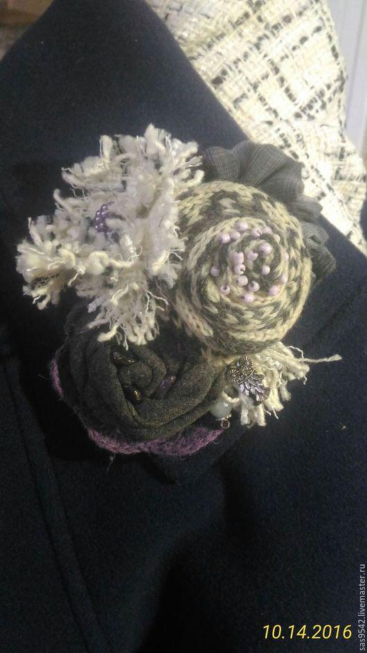 Броши ручной работы. Ярмарка Мастеров - ручная работа. Купить Текстильная брошь «Снежная королева». Handmade. Серый, теплый подарок