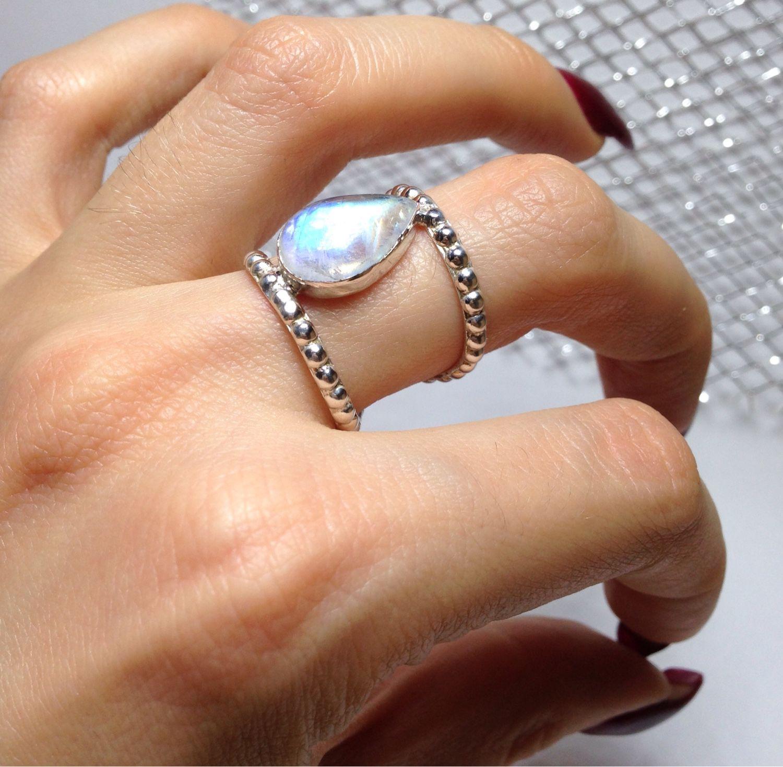 Камень серебро