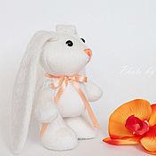 Куклы и игрушки ручной работы. Ярмарка Мастеров - ручная работа Маленькая белая зайка. Handmade.