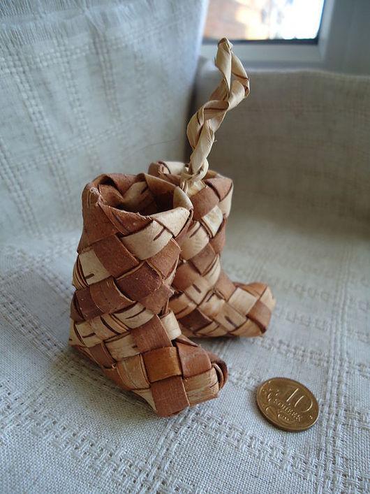 Сувениры ручной работы. Ярмарка Мастеров - ручная работа. Купить сапожки из бересты. Handmade. Сувенир, подарок, эксклюзивная работа, миниатюра