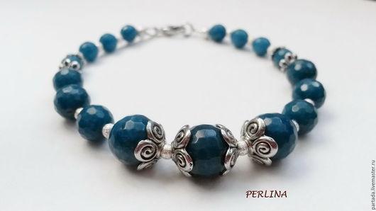 Браслет `PERLINA` из агата. PERLINA Магазин украшений. Браслет с натуральными камнями агата. Серебряный браслет с натуральными камнями. Браслет из синего агата. Синий браслет. Красивый браслет.