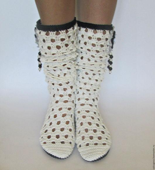 Обувь ручной работы. Ярмарка Мастеров - ручная работа. Купить Вязаные сапожки...Кружева. Handmade. Чёрно-белый, сапожки женские