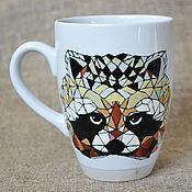 Посуда ручной работы. Ярмарка Мастеров - ручная работа Кружка с енотом, чашка с енотом, енот, расписанная чашка. Handmade.