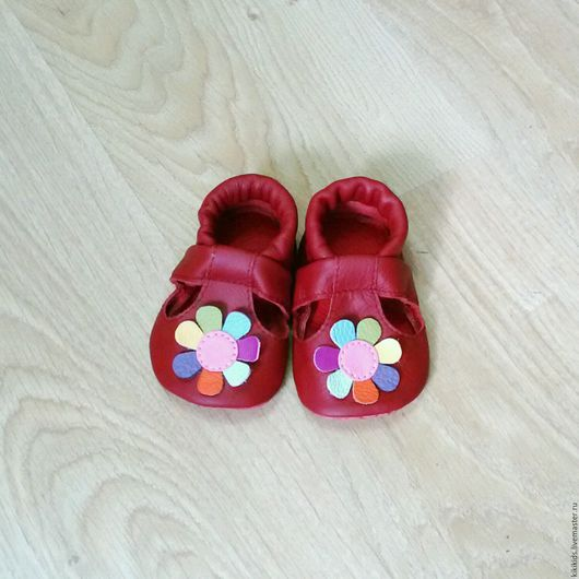 Обувь ручной работы. Ярмарка Мастеров - ручная работа. Купить Пинетки, чешки, тапочки Цветик-семицветик. Handmade. Комбинированный, малышам