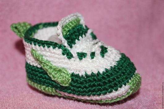 Для новорожденных, ручной работы. Ярмарка Мастеров - ручная работа. Купить пинетки кроссовки. Handmade. Зеленый, пинетки кроссовки