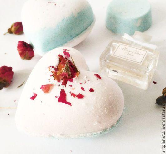 """Бомбы для ванны ручной работы. Ярмарка Мастеров - ручная работа. Купить Сердечки """"Лилия"""" (Бомбочка для ванны). Handmade. Комбинированный, розочки"""